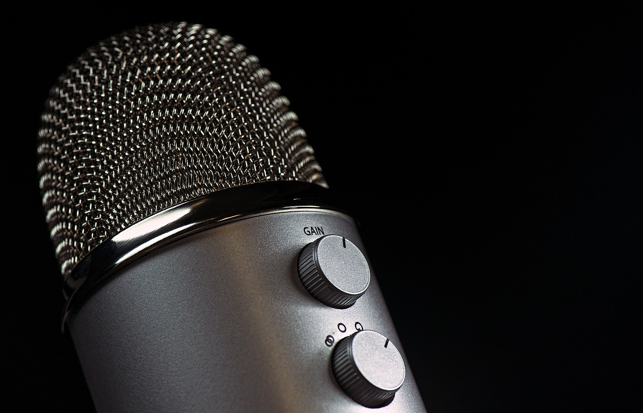 microphone-1172260_1280
