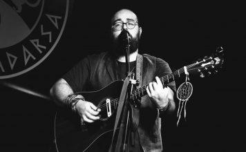 The Walking Beard: el músico del pasado
