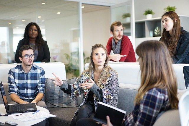 workplace 1245776 640 - Pautas para distinguir un psicólogo de un charlatán